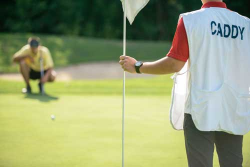how-to-become-a-golf-caddy1[1]